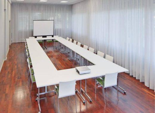 Tagungsraum Lützowlounge Blocktafel